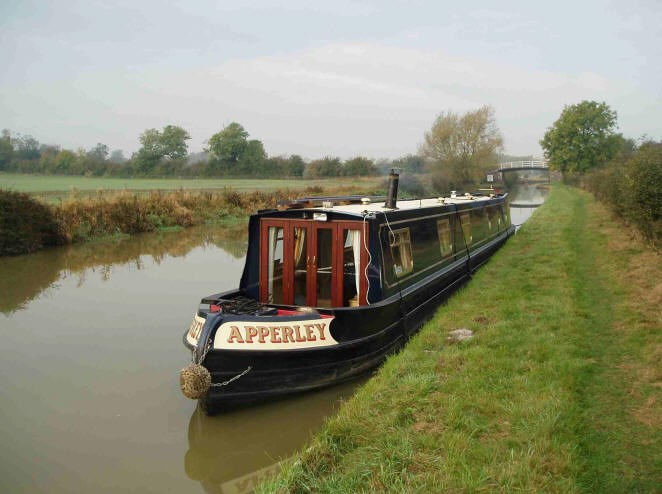 Shared narrow boat Apperley
