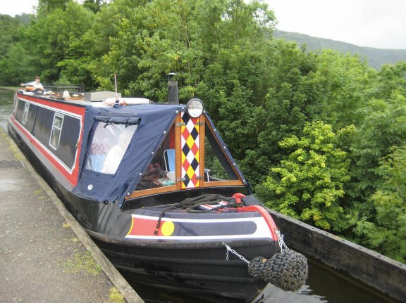 Shared narrow boat Zidon 2
