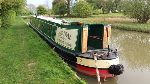 Shared narrow boat The Teal