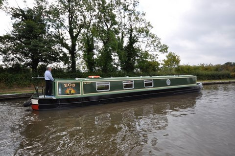 Shared narrow boat EOS