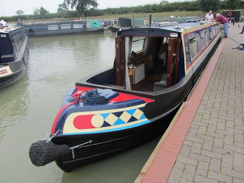 Shared narrow boat Hatherton