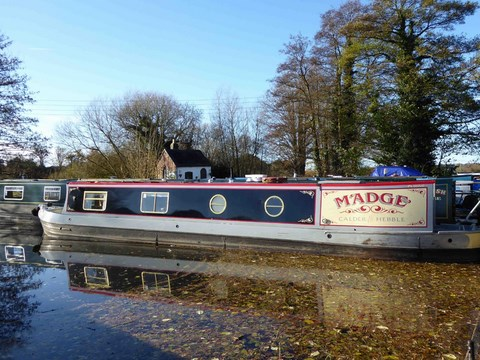 Shared narrow boat Madge
