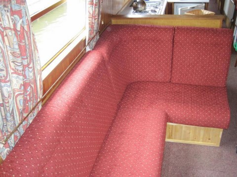 Shared narrow boat Omega