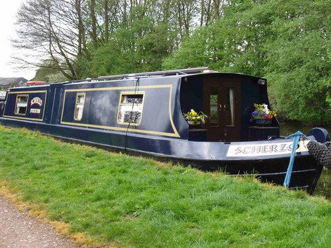 Shared narrow boat Scherzo