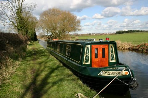 Shared narrow boat Strait and Narrow